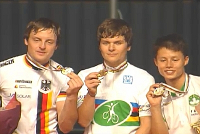 Hallen-WM: Zwei Doppelsiege und Weltrekord im 1er Kunstfahren - Radballer holen Bronze