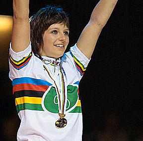 Ehemalige Kunstrad-Weltmeisterin Anja Scheu tritt zurück