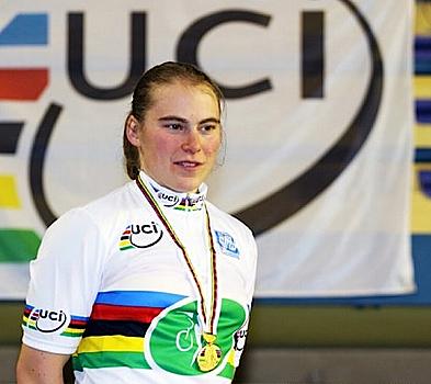Kunstrad-Weltmeisterin Corinna Hein trägt nun einen Dr.-Titel. Foto: privat