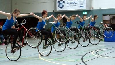 Aach dominiert Junior-Mannschafts-Cup im Kunst- und Einradfahren