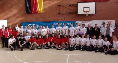 Hallenradsport: Junioren gewinnen Länderkampf gegen die Schweiz