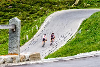 Alpen Challenge lockt über 1000 Radsportler nach Graubünden