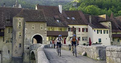 Herbstliche Entdeckungsreise: Unterwegs auf der Jura-Bikeroute