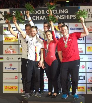Die Bugner-Brüder (Mitte) holten sich bereits ihren vierten WM-Titel. Foto: facebook.com/UCI Indoor Cycling World Championships Stuttgart 2016