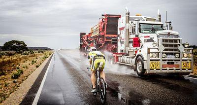 Strasser verbessert Streckenrekord in Australien um fast einen Tag