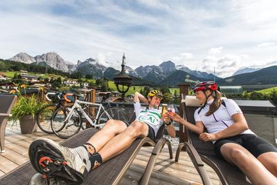 Verdient: Entspannung pur nach Bike- oder Rennradtouren in der Region Hochkönig. Foto: Hotel Niederreiter