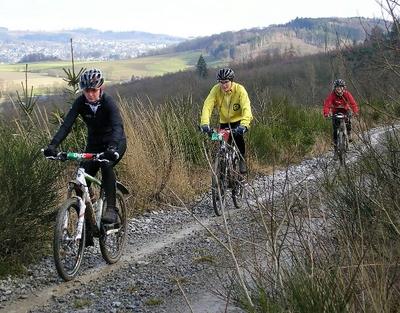 Aktiv ins neue Jahr: CTFs laden zum Radfahren im Winter ein