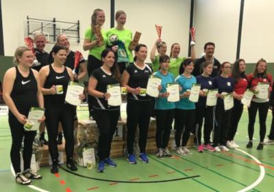 Frellstedt 2 (Mitte) freut sich über den Gewinn des Radpolo Deutschlandpokals. Foto: Axel Bernais