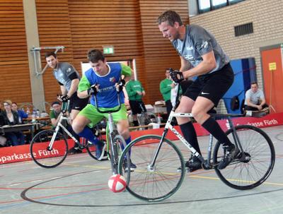 Der RVI Ailingen mit Markus Lang rang dem RV Obernfeld 1 mit André Kopp (vorne) und Raphael Kopp ein Unentschieden ab. Foto: Mareike Engelbrecht