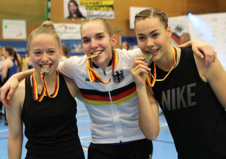 Jana Pfann (Mitte) gewann DM-Gold vor Anastasia Bechtold (li.) und Victoria Wernet-Garcia. Foto:Wilfried Schwarz