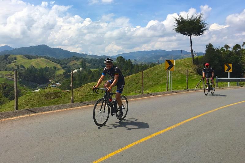 Radsport in Kolumbien: Sogar Trainingslager bietet der Reiseveranstalter «Biketeam» in den Anden an. Foto: «Biketeam»