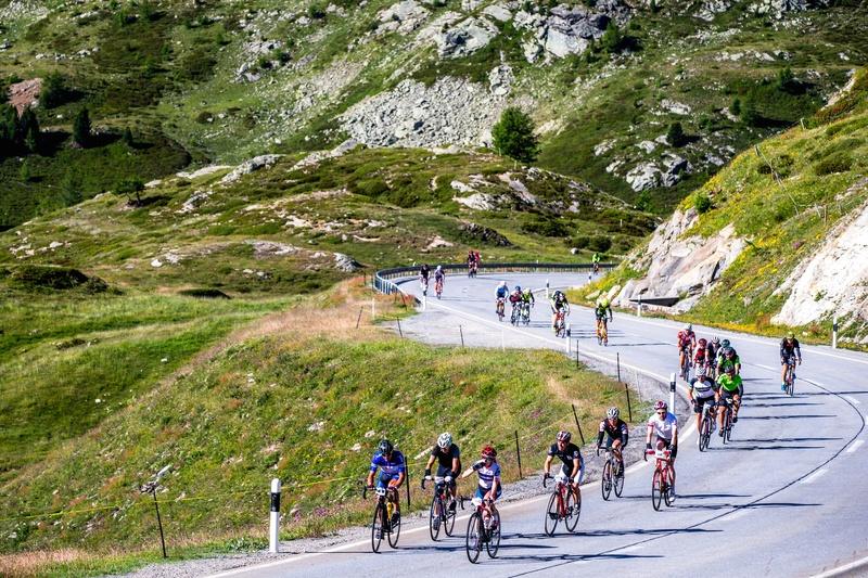 Die Strecke des Engadin Radmarathon über den Berninapass gehört zu den spektakulärsten der Alpen. Foto: Henning Angerer