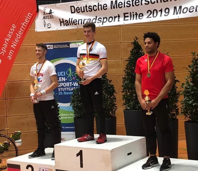 Lukas Kohl (Mitte) gewann im 1er Kunstfahren vor Max Maute (li.) und Marcel Jüngling. Foto: privat