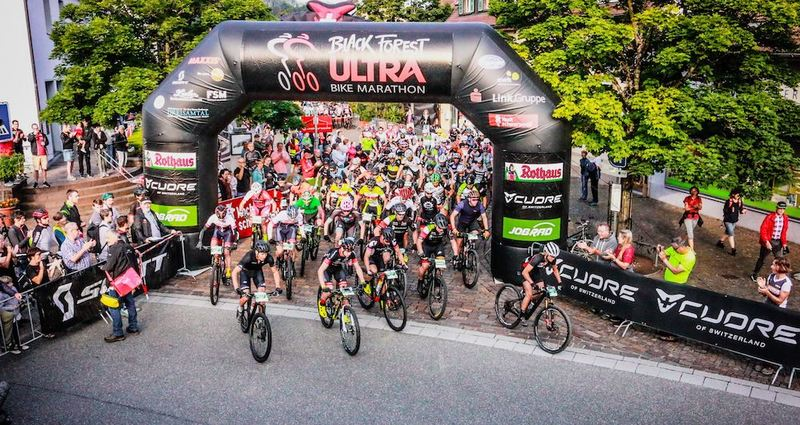 Start zum Ultra Bike. Foto: Sportograf