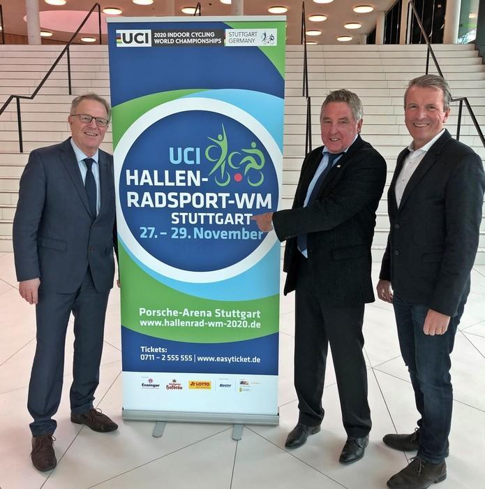 Sport-Bürgermeister Dr. Martin Schairer, UCI-Vertreter Toni Kirsch und Andreas Kroll, Geschäftsführer der in.Stuttgart Veranstaltungsgesellschaft, bei der Präsentation in Basel. Foto: in.Stuttgart
