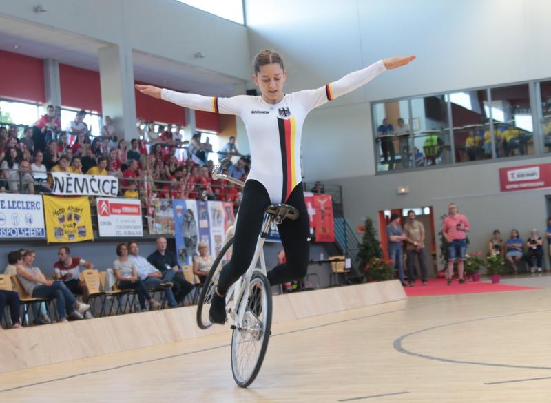 Kunstradsportler treten online gegeneinander an
