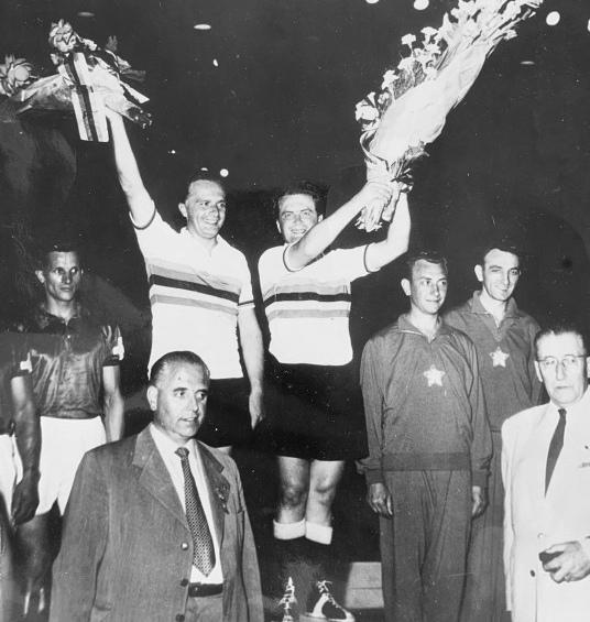 Willi Pensel (re.) wurde mit Bruder Rudi zweimal Radball-Weltmeister. Foto: BDR