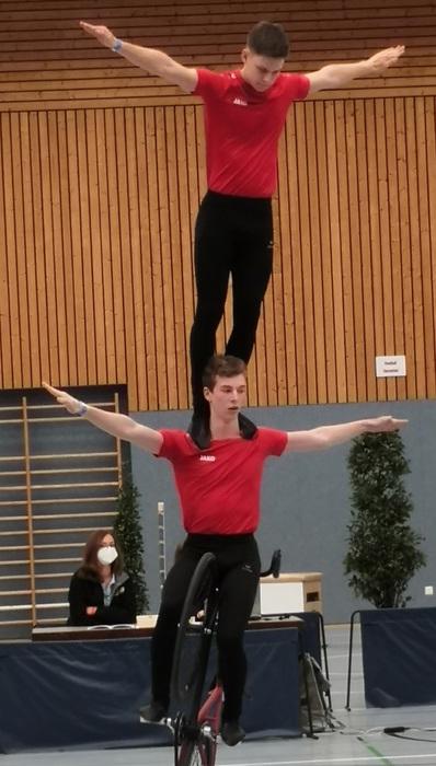 Die Lokalmatadoren Simon Riedinger und Jonas Mächtig bei den 3. Junior-Masters im Einsatz. Foto: Vera Retagne